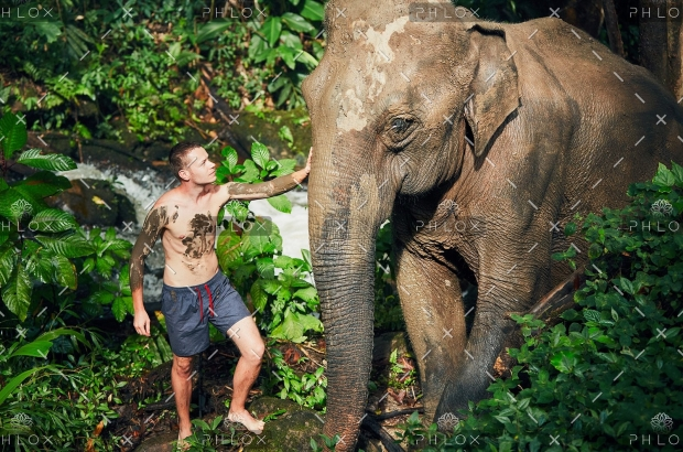 demo-attachment-25-traveler-with-elephant-PYYEKQD